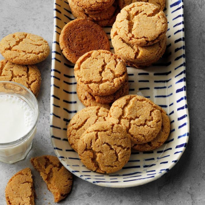 Cinnamon Crackle Cookies