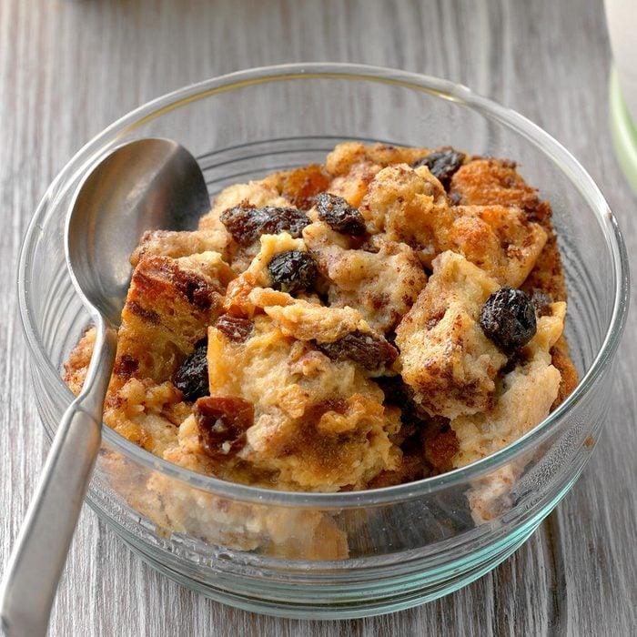 Cinnamon Raisin Bread Pudding Exps Cf2bz20 26842 B11 20 6b