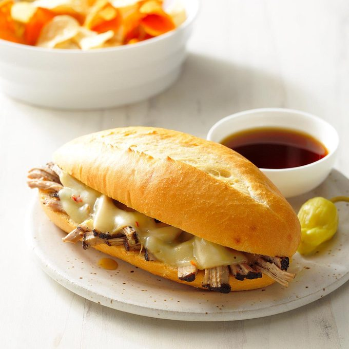 Coffee Braised Pulled Pork Sandwiches Exps Scbz18 160841 B07 25 4b