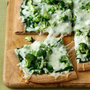 Contest-Winning Pesto Veggie Pizza
