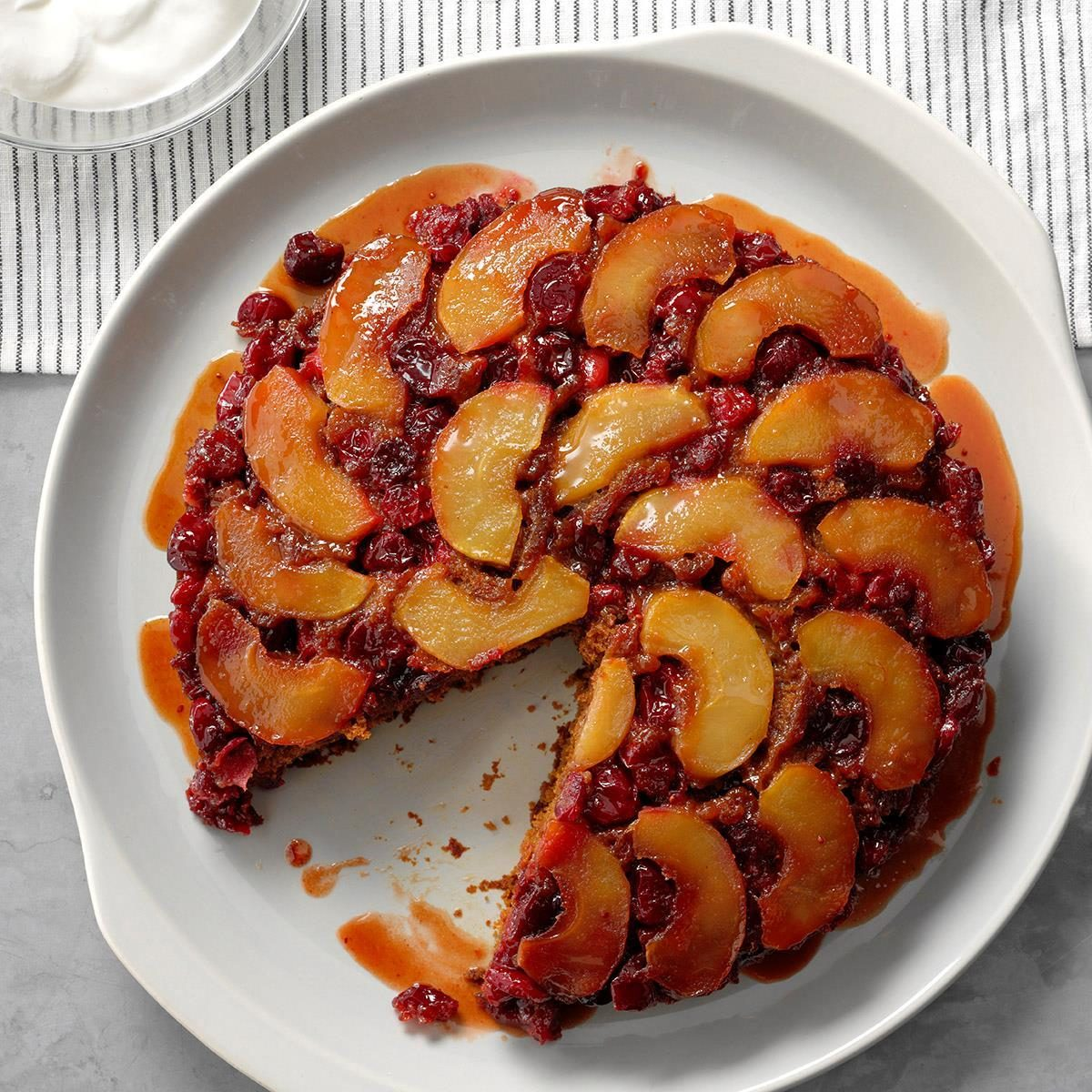 Minnesota: Cran-Apple Praline Gingerbread