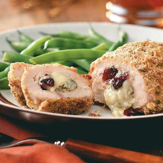 Cranberry Gorgonzola Stuffed Chicken Exps48905 Thca1917912b02 04 2bc Rms 2