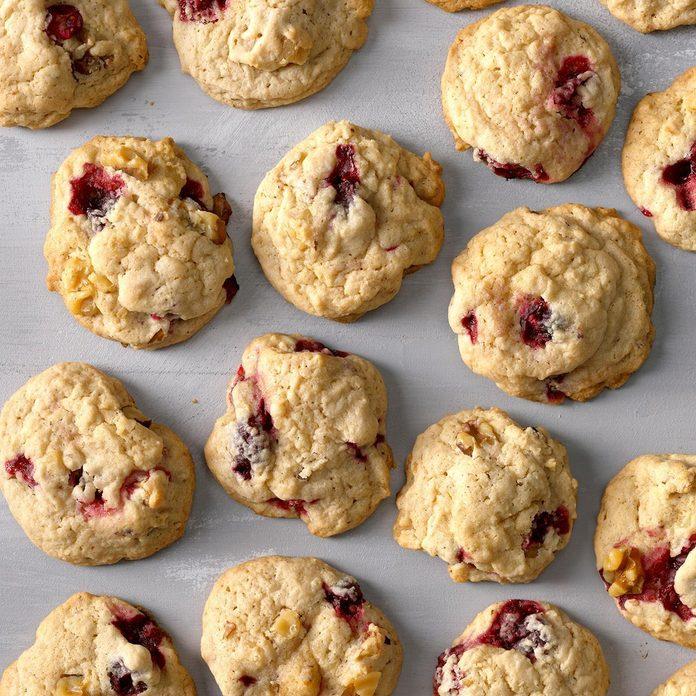 Cranberry Nut Cookies Exps Sdon18 11178 B06 13 7b 10