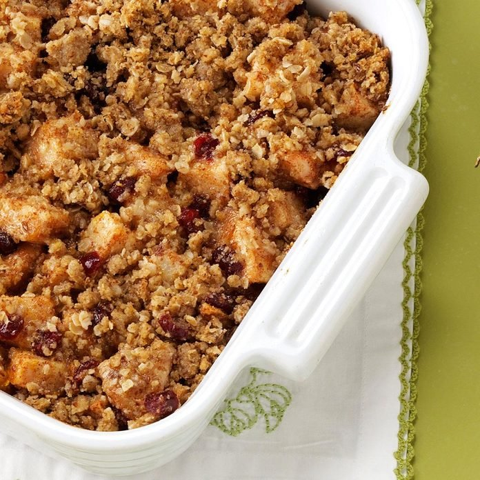Cranberry And Pear Crisp Exps65636 Thhc1998108d03 24 8bc Rms 2