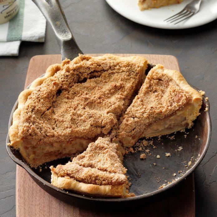 Creamy Apple Crumb Pie
