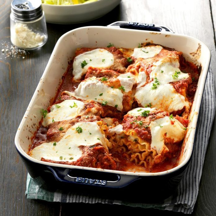 Creamy Chicken Lasagna Roll-Ups
