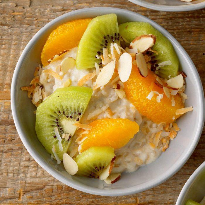 Creamy Coconut Rice Pudding Parfait Exps Thfm19 166910 B10 03 4b