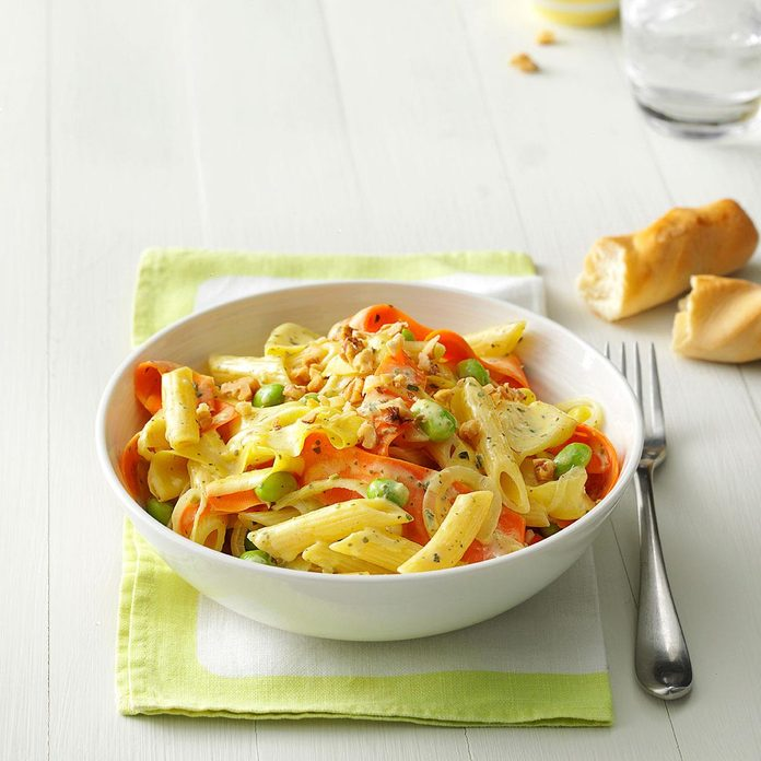 Creamy Pesto Penne With Vegetable Ribbons Exps47396 Thcs143381d12 19 1bc Rms 2