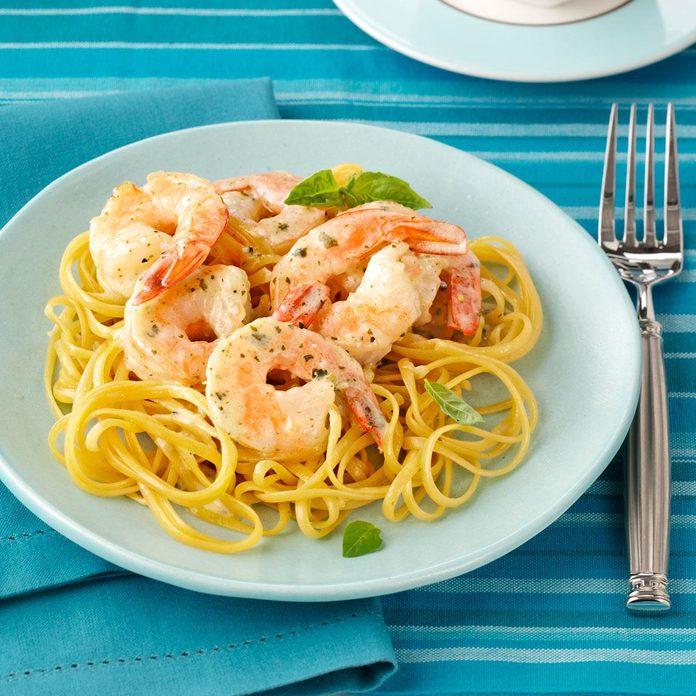 Creamy Pesto Shrimp Linguine