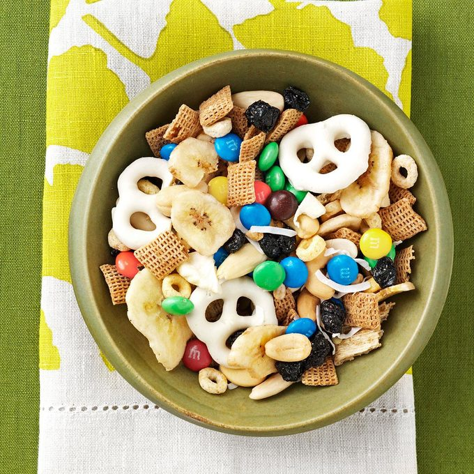 Crisp And Nutty Mix Exps106824 Th2236620d05 31 7bc Rms