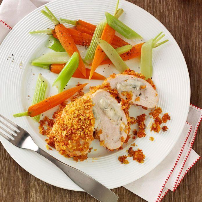 Crispy Buffalo Chicken Roll-Ups