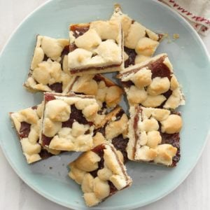 Crumb-Topped Date Bars