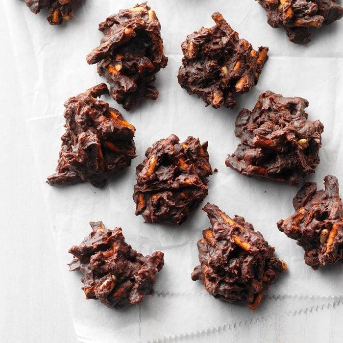 Crunchy Chocolate Clusters Exps Sdam18 206443 D12 01 5b