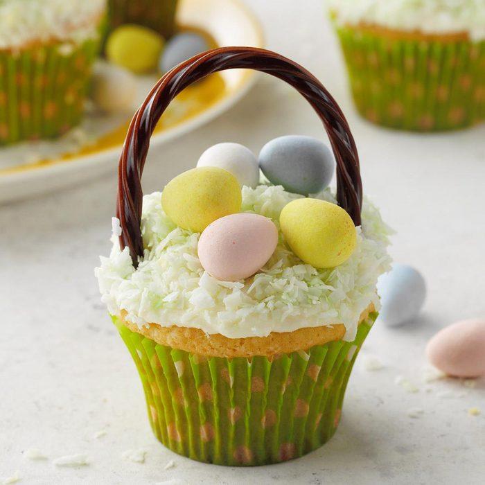 Cupcake Easter Baskets Exps Hca20 20352 E03 13 4b 3