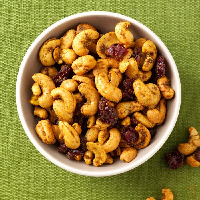 Curry Spiced Cashews Exps107796 Th2236620d05 31 4b Rms