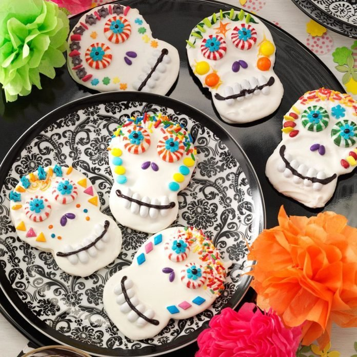 Sweet Treat: Day of the Dead Cookies