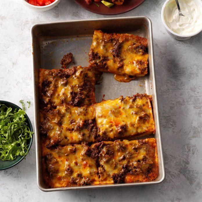 Deep-Dish Beef 'n' Bean Taco Pizza