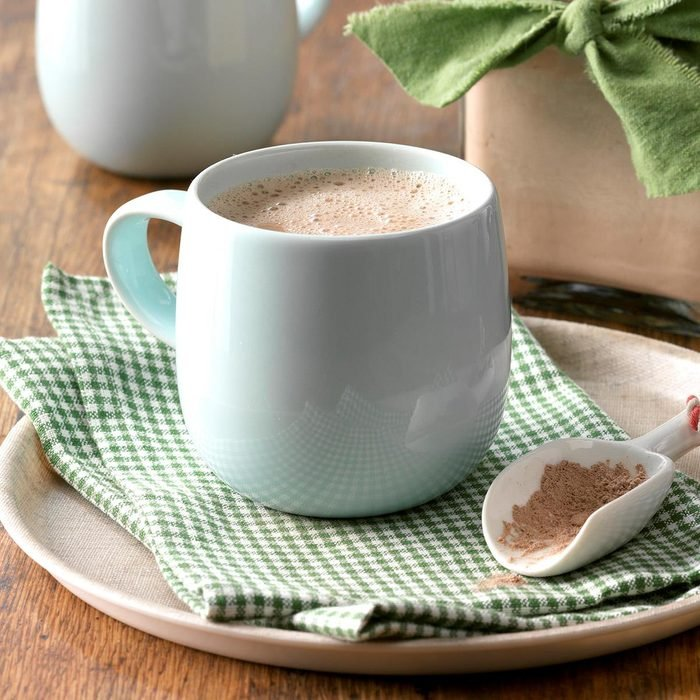 Double Chocolate Hot Cocoa Mix Exps Thca17 134568 B01 26 7b 4