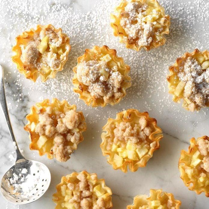 Low-Carb Dutch Apple Pie Tartlets