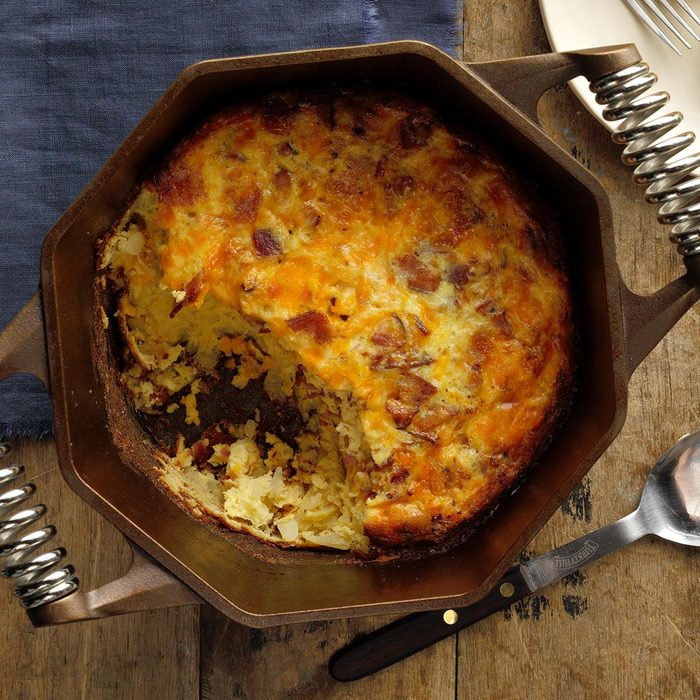 Dutch Oven Cheesy Bacon Eggs Exps Ciw19 77477 B09 06 7b 3