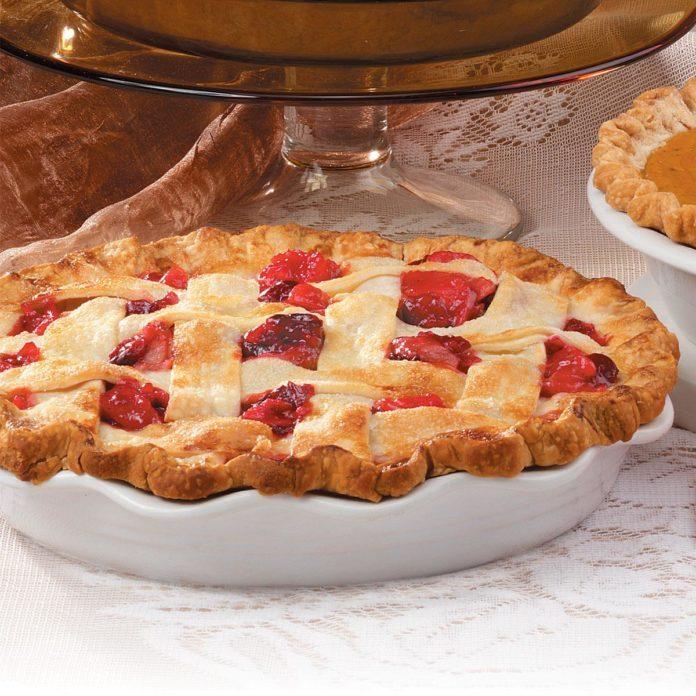 Pear-Cranberry Lattice Pie