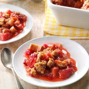 Rhubarb Strawberry Crunch