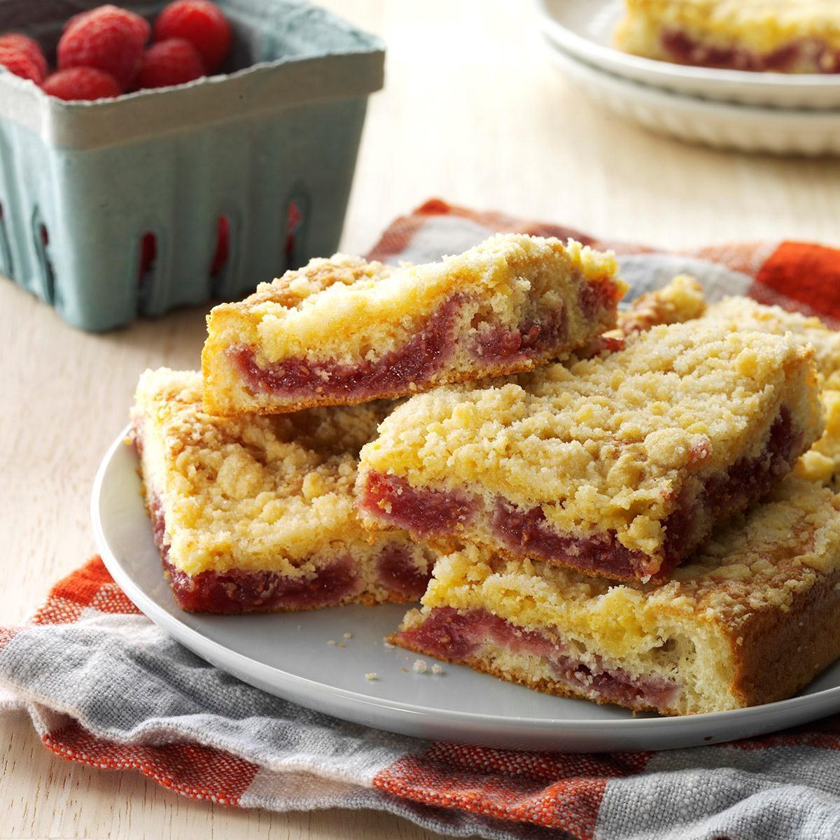 Crumb-Topped Raspberry Coffee Cake