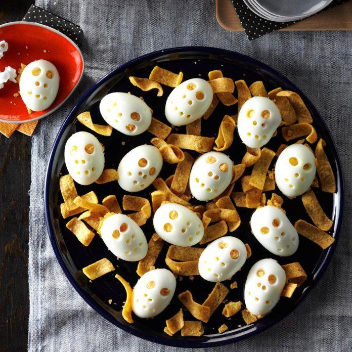Skull Deviled Eggs Recipe