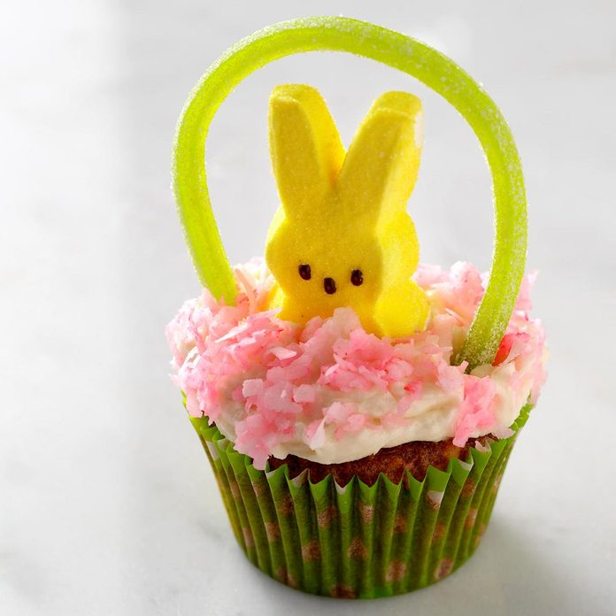 Easter Basket Cupcakes Exps Tham18 39194 D11 09 12b 8