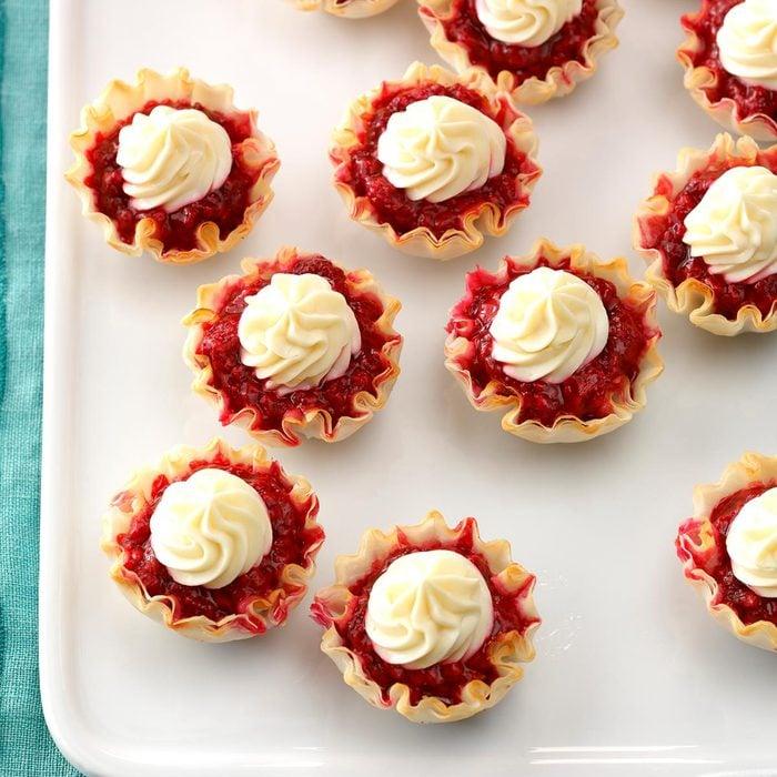 Easy Lemon Berry Tartlets Exps Sscbz18 120641 D09 26 2b 1