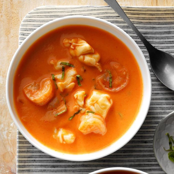 Lobster Bisque Recipes: 32 Favorite Restaurant Copycat Soup Recipes