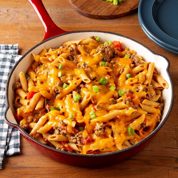Family Favorite Cheeseburger Pasta Exps Ft19 44476 F 1211 1 7