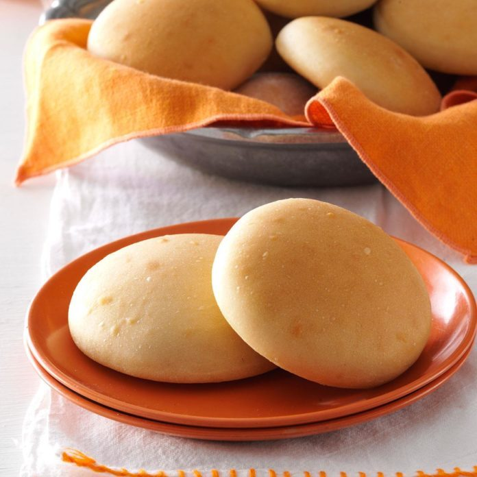 South Carolina: Favorite Yeast Rolls
