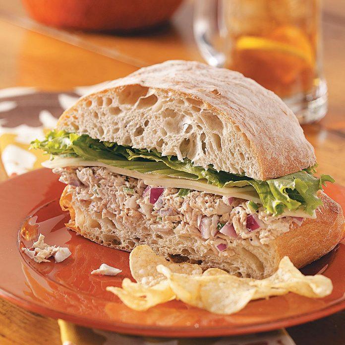 Fiesta Tuna Salad Sandwiches Exps49556 Th1789930a04 01 3bc Rms 5