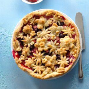 Flaky Bumbleberry Pie