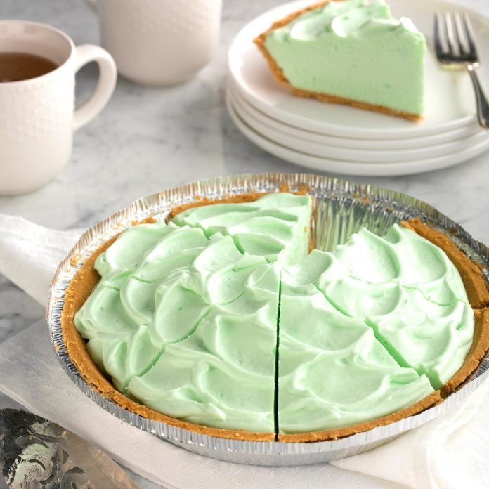 Michigan: Fluffy Key Lime Pie