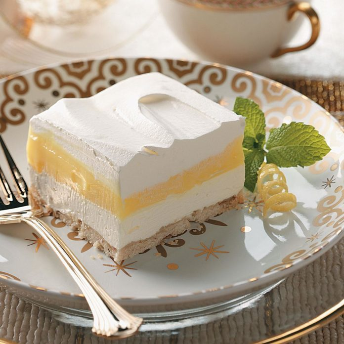 Fluffy Lemon Pudding Dessert