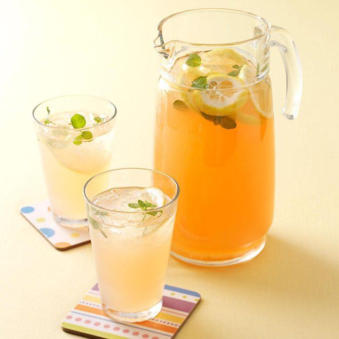 Fresh Peach Lemonade Exps132319 Sd2235817a04 18 1bc Rms 2