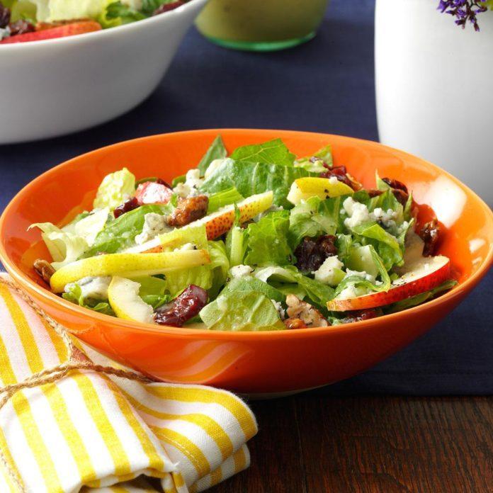Fresh Pear & Romaine Salad