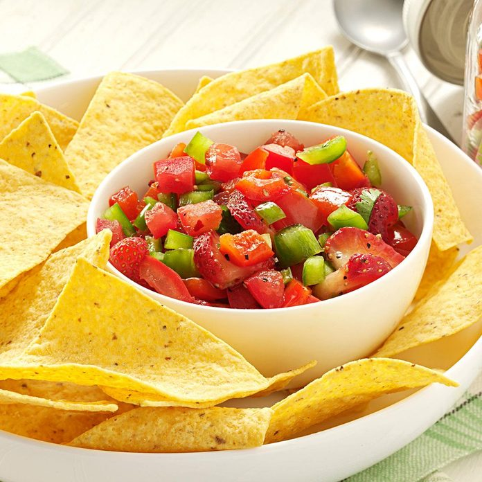 Fresh Strawberry Salsa Exps40293 Fft2434558c08 08 8bc Rms 6