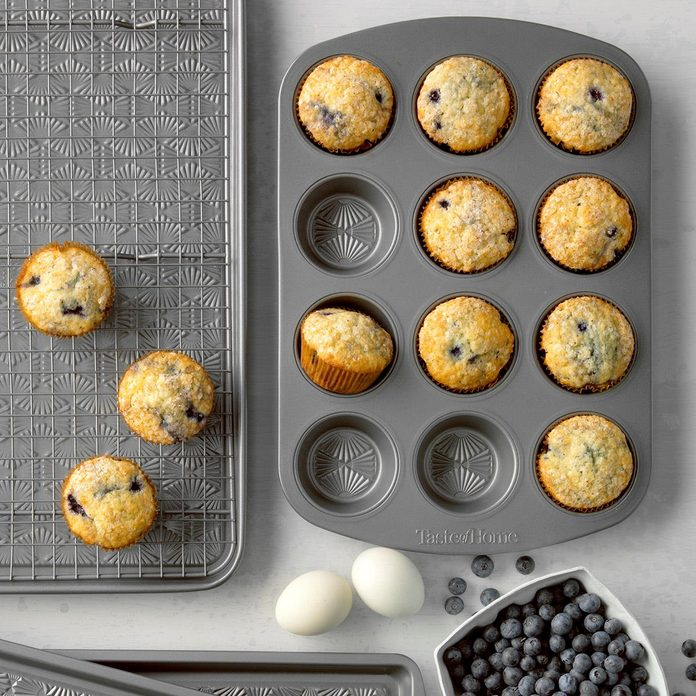 Frozen Blueberry Muffins Exps Tmbbp19 7910 B06 20 4b 8
