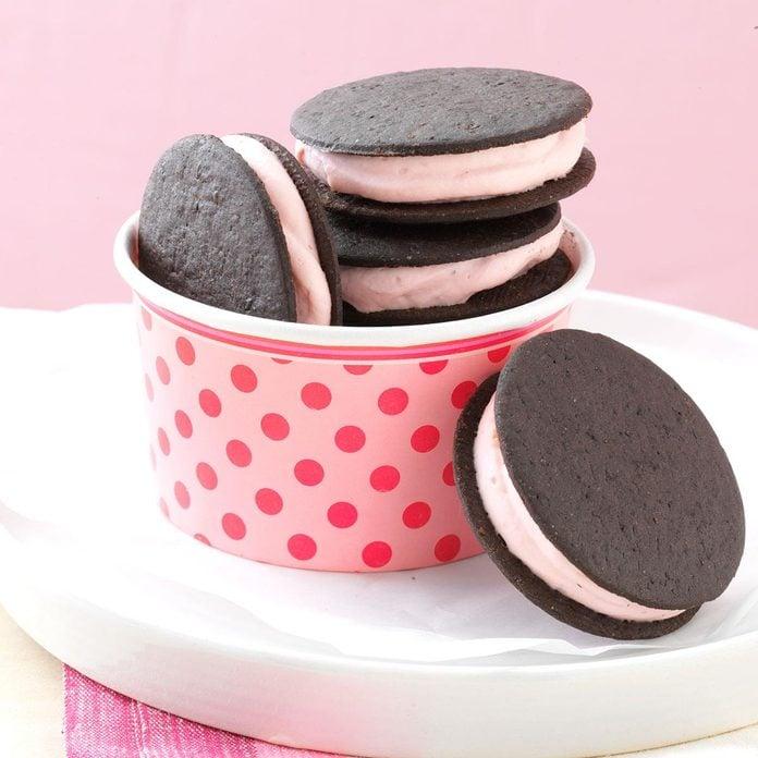 Frozen Sandwich Cookies Exps23362 Sd2847494d02 12 13bc Rms 1