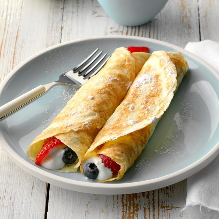 Fruit 'n' Cream Crepes