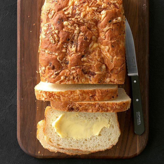 Garlic Fontina Bread Exps Chmz19 157577 C10 26 4b 3