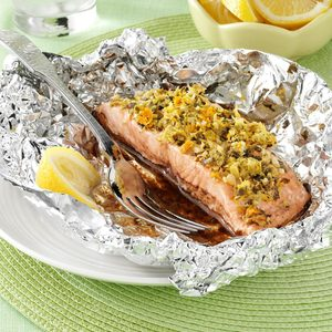 Garlic-Ginger Salmon Packets