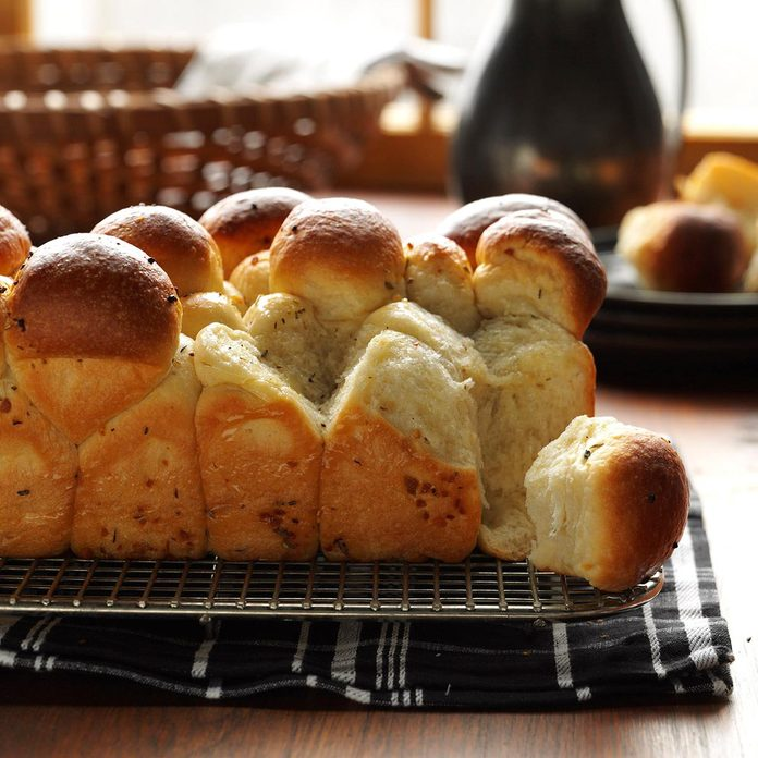 Idaho: Garlic Herb Bubble Loaf