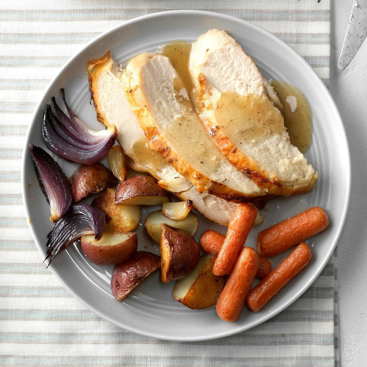 Garlic Roasted Chicken And Vegetables Recipe Taste Of Home