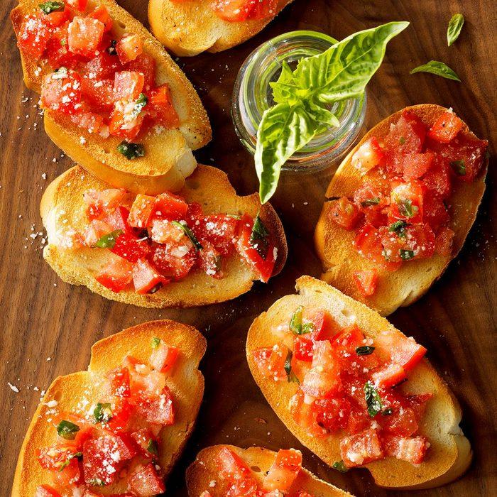 Summer vegetarian recipes - Garlic Tomato Bruschetta