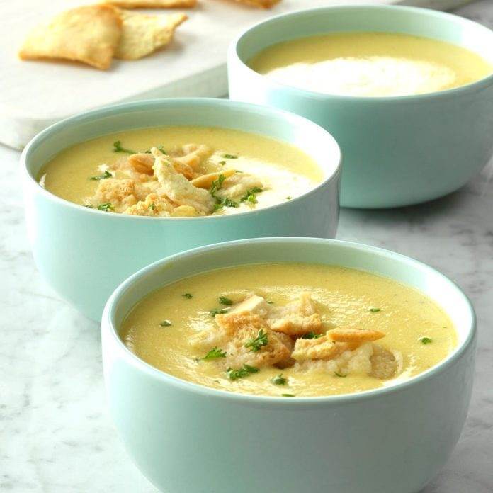 Garlicky Cheddar Cheese Bisque