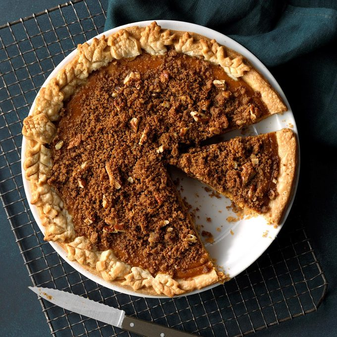Ginger Pumpkin Pie with Streusel